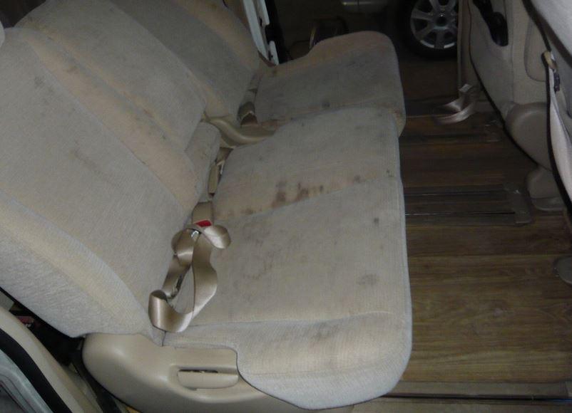 ミニバン中古 シート汚れ