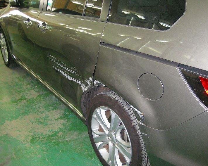MPV中古車 傷凹み