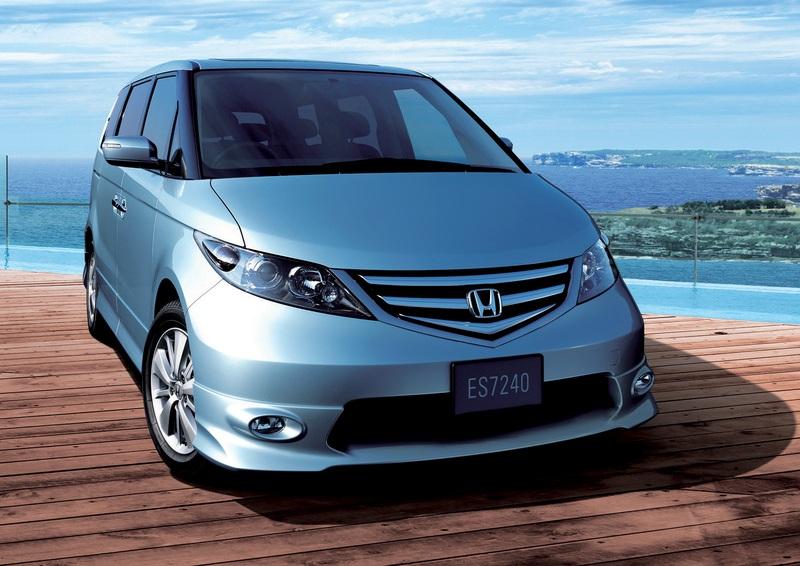 【エリシオンってどんな車?】フル乗車した時の室内快適性を徹底的に追求した高級ミニバン。