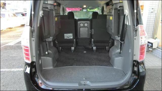 ファミリーカー 荷室スペース