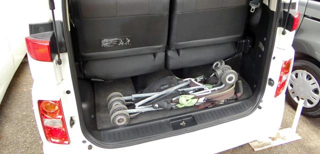 エルグランドE51 荷室 ベビーカー
