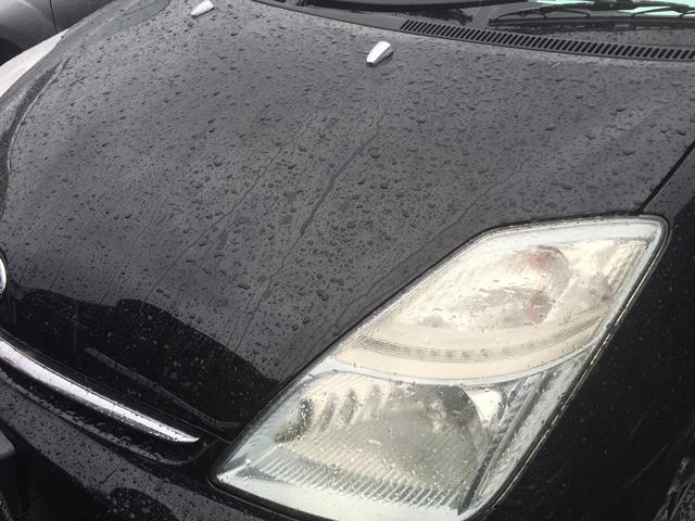 中古車 雨 水弾き