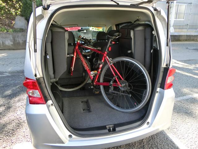 フリード 自転車 荷室